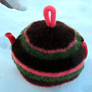 Ravelry: Felted Striped Tea Cozy pattern by Bonnie Groening