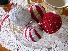 Knit_ornaments_1_small