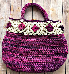 2251198b814 Ravelry: Unforgettable Tote pattern by Amanda Saladin
