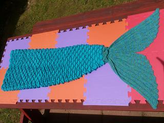 Ravelry Mermaid Lap Blanket Pattern By Felene Grammer