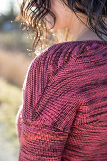 January_pullover-15_small2