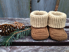 Knit_baby_booties_color_block_1_small