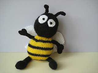 Bee_0937_small2