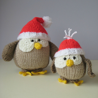 Owls_in_santa_hats_square_0763_small2