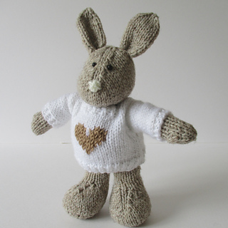 Pip_the_bunny_img_0825_small2
