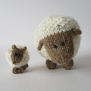 Moss_the_sheep_img_0600_small2