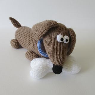 Bangers_the_sausage_dog_img_0368_small2