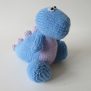 Dippy_the_dinosaur_img_0697_small2