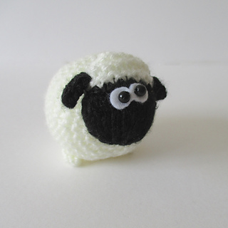 Farmer_drabble_and_sheep_img_1713_small2