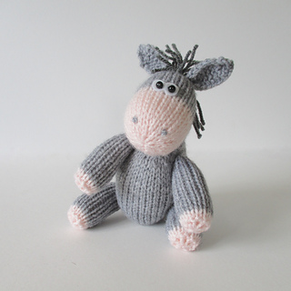 Bobbin_the_donkey_img_2108_small2