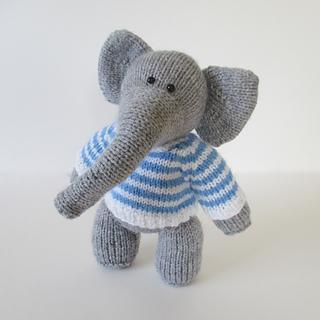Wellington_the_elephant_img_1775_small2