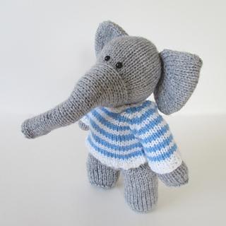 Wellington_the_elephant_img_1781_small2