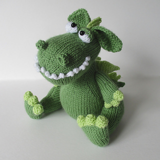 Griff_the_dragon_img_0172_small2