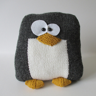 Penguin_cushion_img_3745_small2