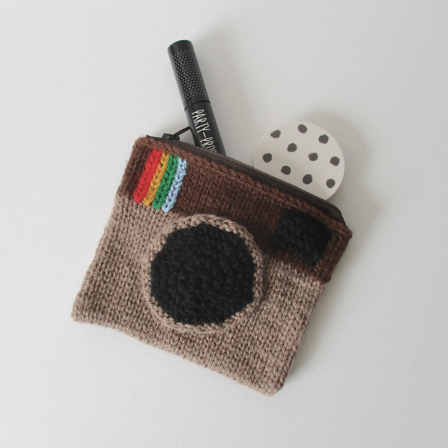 Ravelry: Camera Purse pattern by Amanda Berry