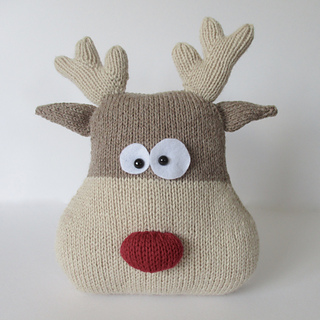 Reindeer_cushion_img_3578_small2