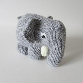 Hatty_the_elephant_img_4653_small2