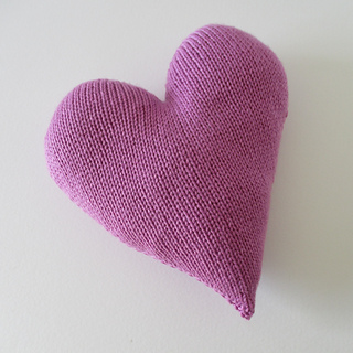 Heart_cushion_img_7423_small2