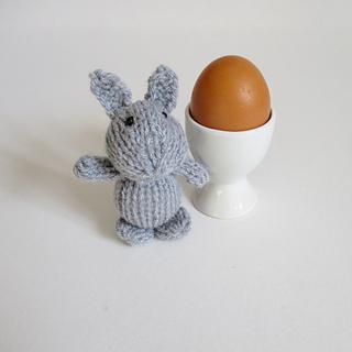 Egg_cup_bunny_img_8469_small2
