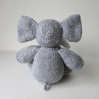 Bloomsbury_elephant_img_2062_small2