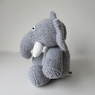Bloomsbury_elephant_img_2059_small2