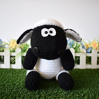Ally_the_sheep_dsc_0004_small2
