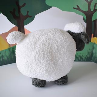 Brenda_the__sheep_dsc_0010__1__small2