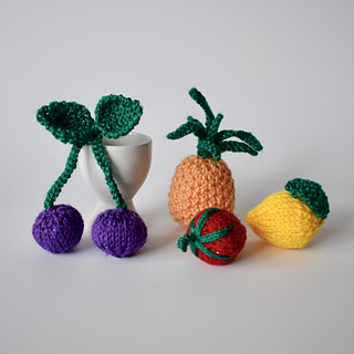 Ravelry_fruity_charms__dsc_0006__1__small2
