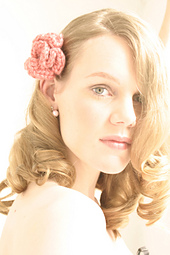 Pinkflower_hair_comb_small_best_fit