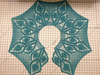 Pineapple_shawl_2_small2