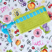 Wristlet_bigsquare_02_small_best_fit