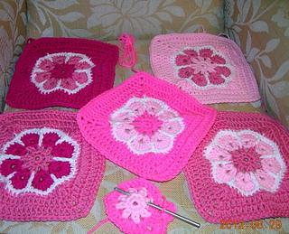 Flower_motifs__5___for_groovyghan_dscn2599rav_small2
