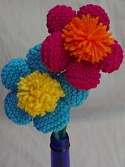 5_petal_pom_pom_center_fun_flowers_on_a_stick_2_small