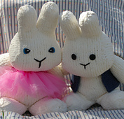 2_bunnies_on_carrot_fabric_2_small_best_fit