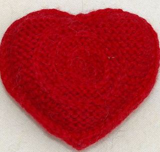 Single_heart_on_fabric_close_up_2_small2