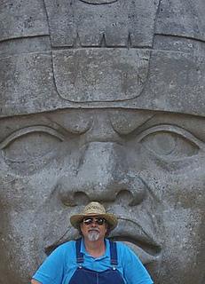 Bob_with_giant_olmec_head_small2