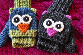 Fingerless_knitted_animal_gloves_small2