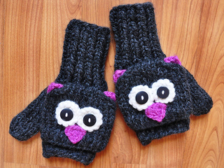 Charcoal_pink_cat_mittens_small2