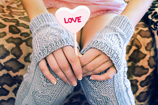 Heart_warmers_knitted_legwarmers_knitting_pattern_5_small2