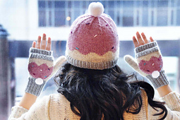 Sweeter_than_a_cupcake_knitted_hat_and_mittens_cupcake_knitting_pattern_2_small_best_fit