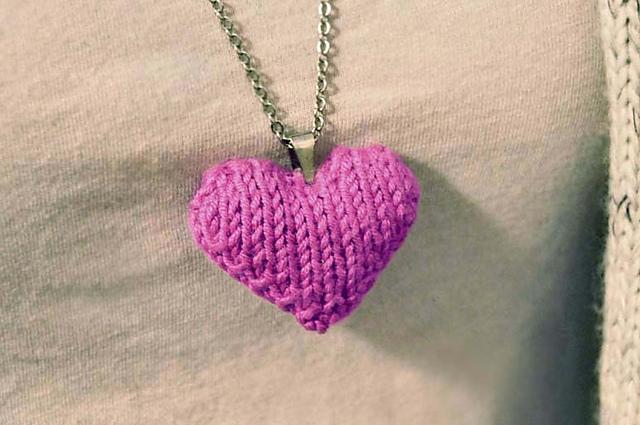 Ravelry Heart Puff Necklace Pattern By Lauren Riker