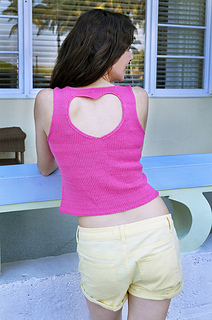 Hot_pink_knitted_heart_cut_out_tank_top_knitting_pattern_small2