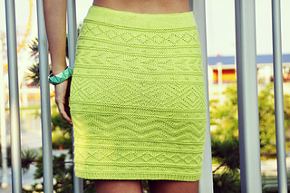 Shes_electric_aztec_pattern_knitted_bodycon_skirt_knitting_pattern_5_small2