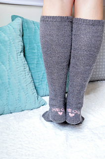 Check_meowt_knitted_cat_knee_high_socks_knitting_pattern_4_small2