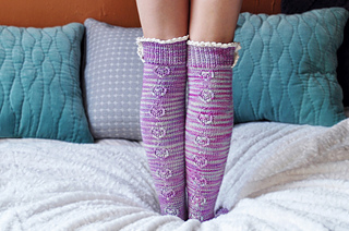 Young_at_heart_cable_knit_over_the_knee_socks_with_lace_trim_1_small2
