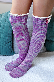 Young_at_heart_cable_knit_over_the_knee_socks_with_lace_trim_3_small2