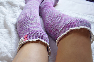 Young_at_heart_cable_knit_over_the_knee_socks_with_lace_trim_4_small2