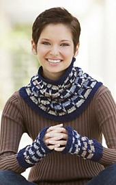 Corrina_cowl_mitts_240_small_best_fit