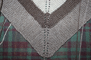 Outlander_claire_s__rent__shawl_3_small2