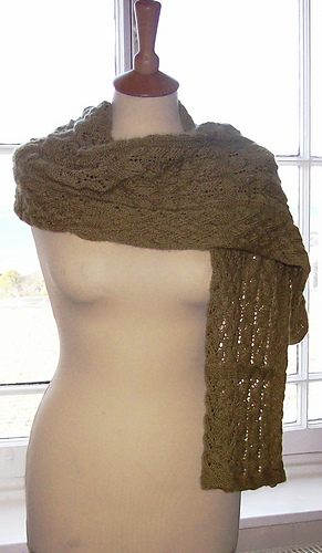 Carisbrooke_scarf_medium